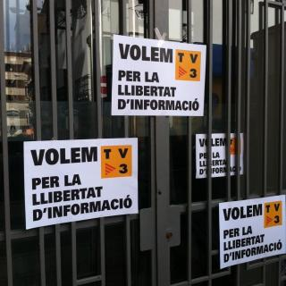 Cartells demanant TV3 al País Valencià a Pedreguer