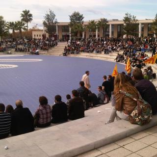 Manifestació contra el tancament de les emissions de TV3 al País Valencià al campus de la Universitat Jaume I de Castelló