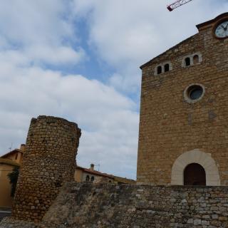 Església parroquial (s. XII - XIII)  Castell-Palau Comptes d'Empúries