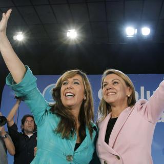 Alícia Sánchez-Camacho i María Dolores de Cospedal en el míting final del PP a Cerdanyola del Vallès