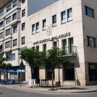 Seu social de la Unió Musical d'Alaquàs ubicada a l'avinguda del País Valencià d'Alaquàs.