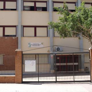 Col·legi Parroquial Mare de Déu de l'Olivar situat a l'avinguda del País Valencià d'Alaquàs.