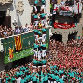 El 4de9 amb folre i agulla dels Castellers de Vilafranca