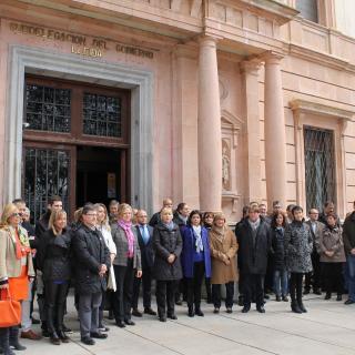 Minut de silenci a la subdelegació del govern central a Lleida.
