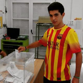Votant amb la samarreta del Barça! Volem un nou estat