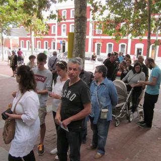 Cues de gent per votar a les eleccions al Parlament en un col·legi de Mataró