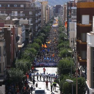 Manifestació contra el pla de conca de l'Ebre pels carrers d'Amposta, aquest diumenge, 7 de febrer del 2016