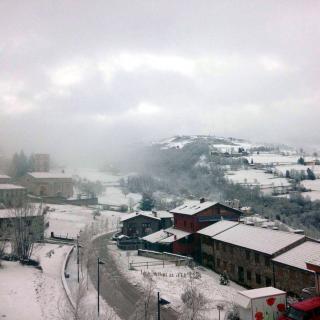 La nevada d'aquest dissabte 27 de febrer del 2016 ha deixat 5 centímetres de neu a Molló, al Ripollès. (Horitzontal) 4640#Agencia ACN