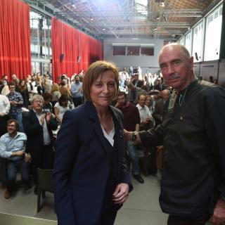 La presidenta del Parlament, Carme Forcadell, i el diputat de Junts pel Sí Lluís Llach, al Moment Zero d'aquest dijous