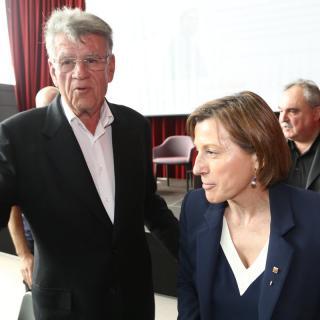 La presidenta del Parlament, Carme Forcadell, amb Joaquim Vidal, editor d'El Punt Avui