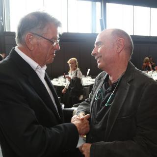 Joaquim Vidal, editor d'El Punt Avui, amb  el diputat de Junts pel Sí Lluís Llach al Moment Zero