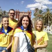 La família Roger Francisco davant de l'Arc de Triomf