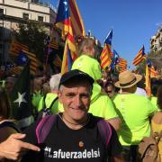 El director Lluís Cabeza amb la samarreta del seu documental #LaFuerzaDelSí