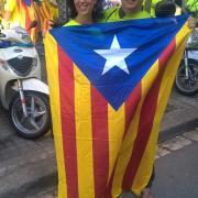 Embolcallats amb l'estelada, ell és Albert Codinas de la Fundació Catalunya Estat