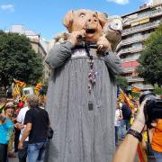 Gegant del porc i del xai de la penya AOAPIX d'Olot