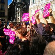 Diputats de la CUP a les portes del Palau de la Generalitat