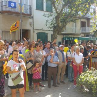 Marató per la Democràcia, davant de l'Ajuntament a la riera d'Arenys de Munt