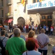 Unes 200 persones es concentren  davant ajuntament de Montblanc, per protestar per empresonaments Jordis