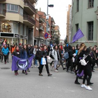 Protesta femenina pels carrers gironins