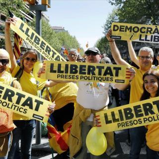 Centenars de milers de persones omplen Barcelona per la llibertat dels presos