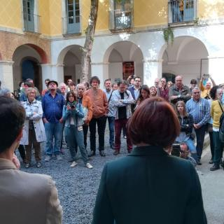 Esmorzar literari reivindicatiu a Girona, Organitzat per Ajuntament per compensar bloqueig Generalitat,  organitzadora habitual dels actes de Sant Jordi
