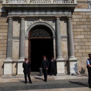 Els Mossos d'Esquadra controlen l'accés al Palau