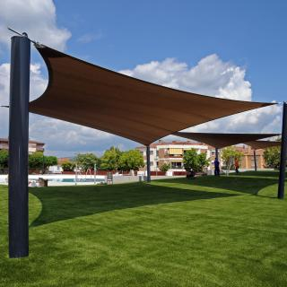 Tendals a la nova piscina a Bescanó