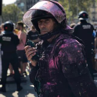 A Canaletes, passada la una del migdia, hi ha hagut una càrrega per evitar que els CDR arribessin a la plaça de Catalunya