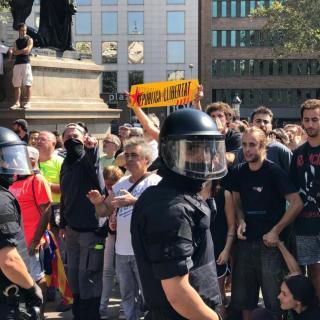 Hi ha hagut breus moments de tensió entre manifestants i agents