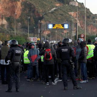 Les rondes, l'AP-7 a Girona i l'Ampolla i l'A-2 a Alcarràs, entre les vies més afectades per les protestes pel 21-D