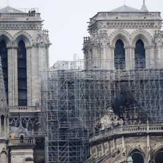 Notre-Dame es desperta sense flames