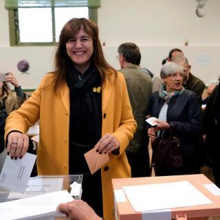La candidata de JxCat Laura Borràs vota als Salasians de Sarrià de Barcelona