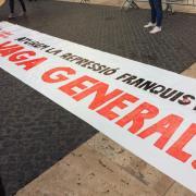 Protesta a la plaça Sant Jaume de Barcelona, aquest dilluns després de la sentència