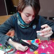 En Roc, de 12 anys i de Terrassa ha construït un cohet amb pen 3D per animar-vos a deixar volar la imaginació.
