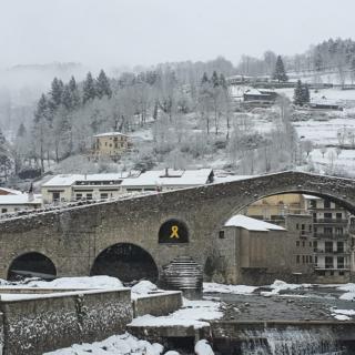 Imatges de postal a Camprodon per la nevada del temporal Filomena