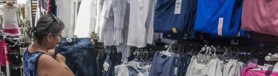 Enquesta: Heu comprat alguna vegada roba als hipermercats?