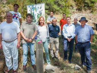 La presentació del nou itinerari, dilluns passat a la Cúbia, amb representants de tots els implicats en el projecte Foto:MARC SANYÉ