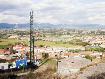 L'antena estarà als dipòsits vells, on encara hi ha la que Movistar va col·locar-hi provisionalment a principis del 2009 Foto:Marc Sanyé