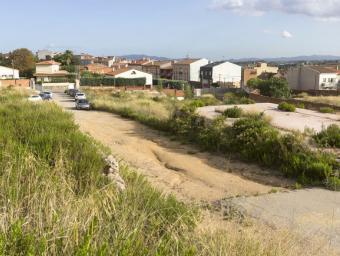 La urbanització de l'espai de les antigues empreses està previst que es faci a partir de la tardor de l'any que ve Foto:Arnau Puig