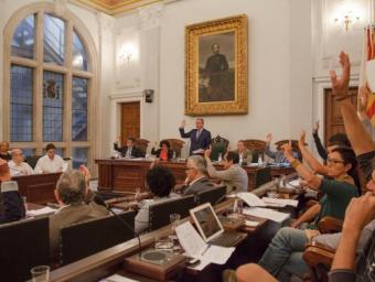 Unanimitat al plenari per tal d'executar les sancions als bancs amb pisos buits Foto:Fabián Acidres