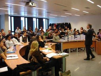 Classe a l'escola de negocis ESADE  Foto:ARXIU