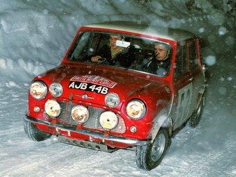 Timo Makinen va aconseguir el triomf l'any 1965, amb aquest Mini Cooper. Amb tres victòries, els menuts cotxes britànics formen part de la llegenda del Montecarlo. Foto:EL 9
