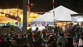 Una nit de barraques de les Fires d'aquest any, que han estat especialment controvertides. Foto:MANEL LLADÓ