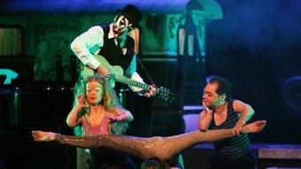 Un moment de 'Freakshow', un espectacle amb sobredosi d'irreverència. Foto:CÈLIA ATSET / CLICK ART