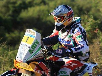 Marc Coma, en plena conducció.  Foto:C. DE LUCA / EFE