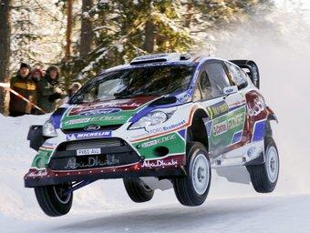 El Ford Fiesta WRC de Mikko Hirvonen, en un tram d'ahir. Foto:EFE