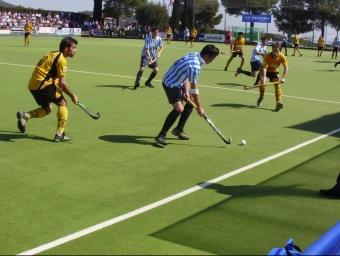 Una acció del derbi entre l'Atlètic i l'Egara.  Foto:CD TERRASSA