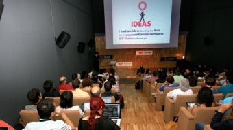 El centenar d'invitacions per assistir al TEDxGirona estaven esgotades des de feia dies.  Foto:MANEL LLADÓ
