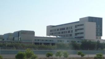 Imatge de l'edifici de l'Hospital de Llíria a la vora de la CV-35. Foto:ESCORCOLL