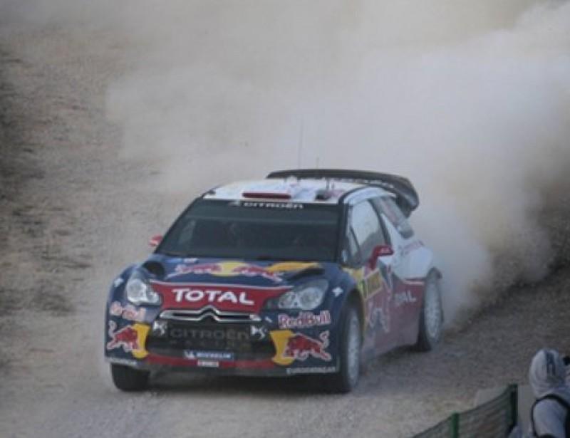 Sébastien Loeb , a tota velocitat en un tram de l'etapa d'ahir. Foto:JOSÉ CARLOS LEÓN